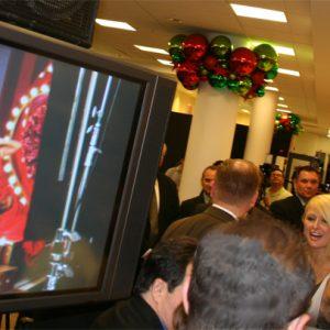 Paris Hilton DEvet At Macys Dsignage (1)